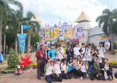 g9-10-fieldtrip-dreamworld-apr19-3