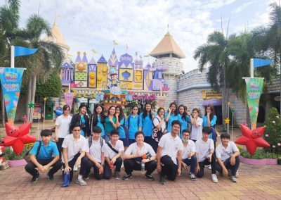 g9-10-fieldtrip-dreamworld-apr19-4