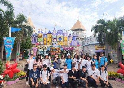 g9-10-fieldtrip-dreamworld-apr19-5