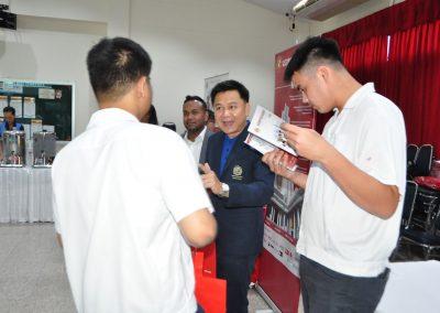 es-trip-university-fair-2019-10