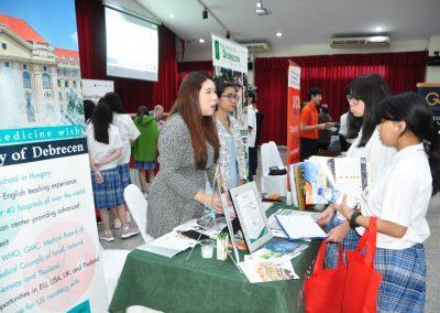 es-trip-university-fair-2019-11