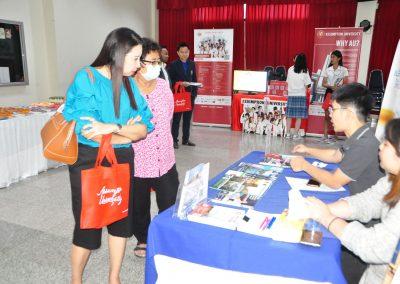 es-trip-university-fair-2019-16