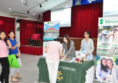 es-trip-university-fair-2019-35