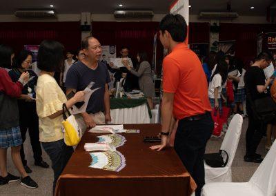 es-trip-university-fair-2019-43